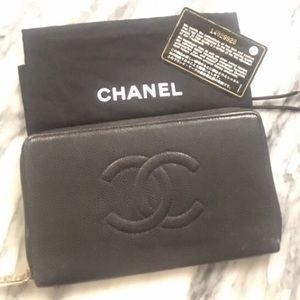 CHANEL Handbags - Black caviar classic wallet