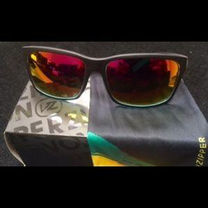 Von Zipper Other - New VonZipper Sunglass set