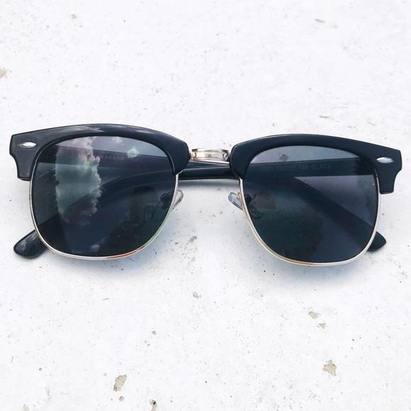 2a1b330b2f6 Lucky Brand Accessories - Lucky Brand nice sunglasses 😎