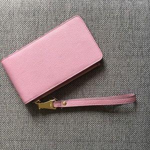 Aimee Kestenberg Handbags - Aimee Kestenberg Wristlet Wallet