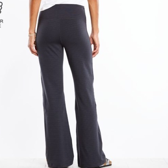 6f571795796 Lucy Pants - LUCY Strong Is Beautiful Flare YogaPant M Tall