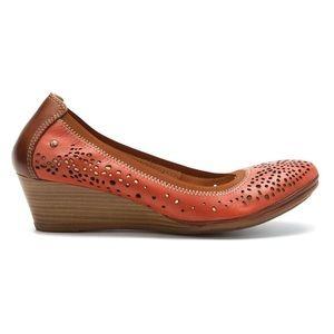 PIKOLINOS Shoes - 🆕 Pikolinos Salmon Pumps