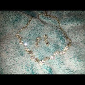 boutique Jewelry - 💎Dazzling choker + earrings set
