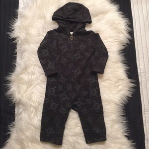 Amy Coe Other - Amy Coe Skull sweatsuit material onesie Outfit 9m