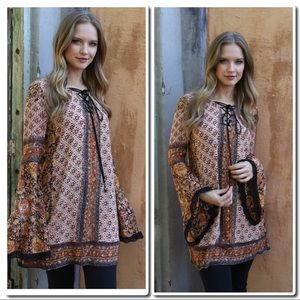 Dresses & Skirts - 🎀Just In 🎀 Mini Bell Sleeve Dress