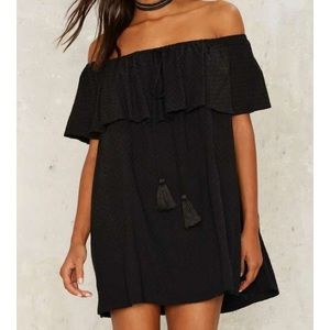 Nasty Gal Dresses & Skirts - Nasty gal off the shoulder dress with pockets!