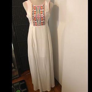 Sugarlips Dresses & Skirts - NWT beautiful white dress!