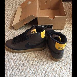 Nike Other - 💛Nike blazer shoes