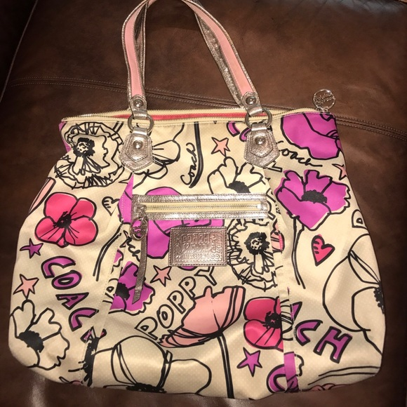 Coach Handbags - Coach Poppy Petal Flower Floral Print Glam Shopper d2e2d0c2d7454