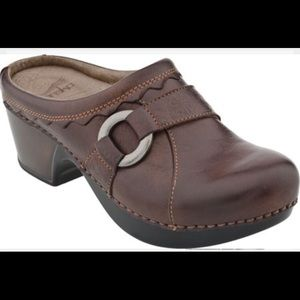 Dansko Shoes - Dansko Hattie Clogs Size 40