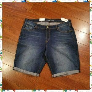 Denim Bermuda shorts / jean shorts
