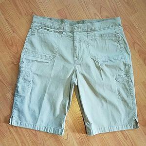 Gloria Vanderbilt Pants - Gloria Vanderbilt Bermuda stretch shorts