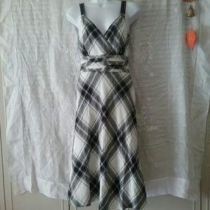 Monsoon Dresses & Skirts - New Monsoon Linen V- Neck  Dress