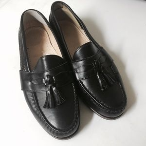 Allen Edmonds Other - Allen Edmonds Bennington Sz 9.5 tassel loafers
