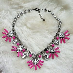 Jewelry - Pink/silver statement necklace
