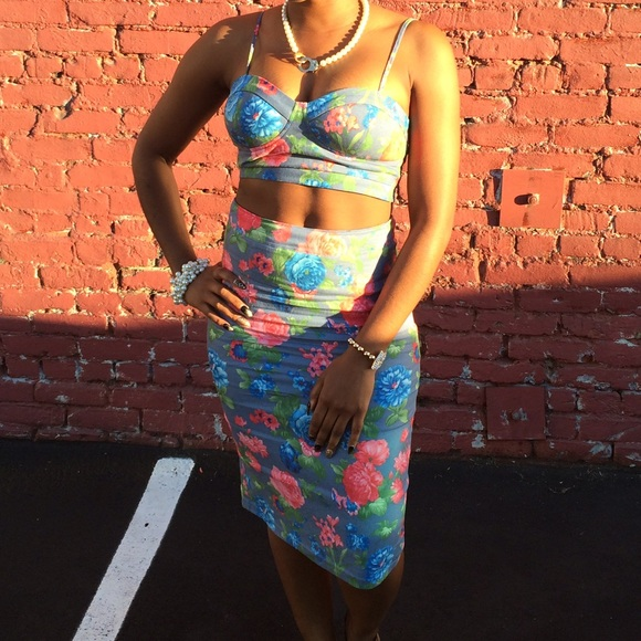 25 other floral midi skirt w matching top from bri