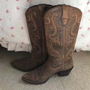 Durango Shoes - STAGECOACH!!! Cowgirl boots and hat(: