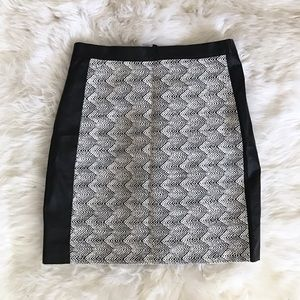 H&M Dresses & Skirts - H&M Black Tweed Faux Leather Panel Mini Skirt