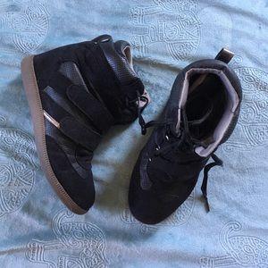 Report Shoes - Black Hightop Sneaker-boot with Hidden Wedge