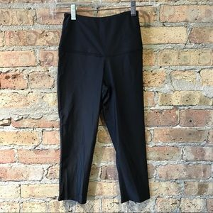 Onzie Black Cropped Legging size XS