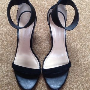 Banana Republic Sz 7 wedge strap sandal