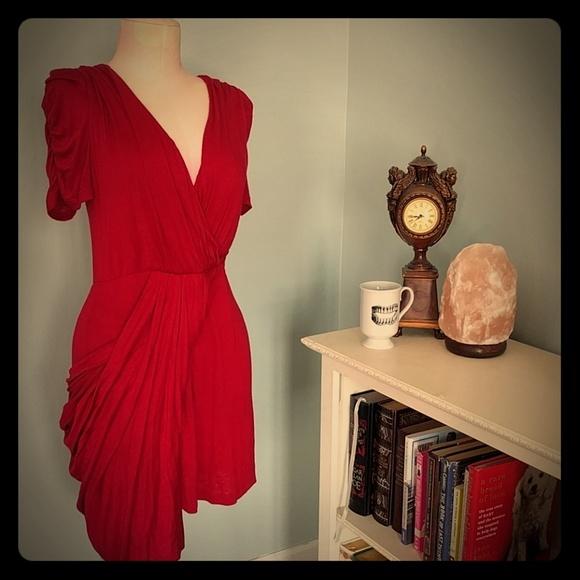 bfaafa516ce Short sleeve red asymmetrical pleated dress. M 58f12290fbf6f96bd5014f4d
