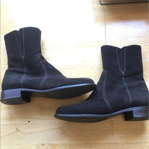 La Canadienne Suede Booties