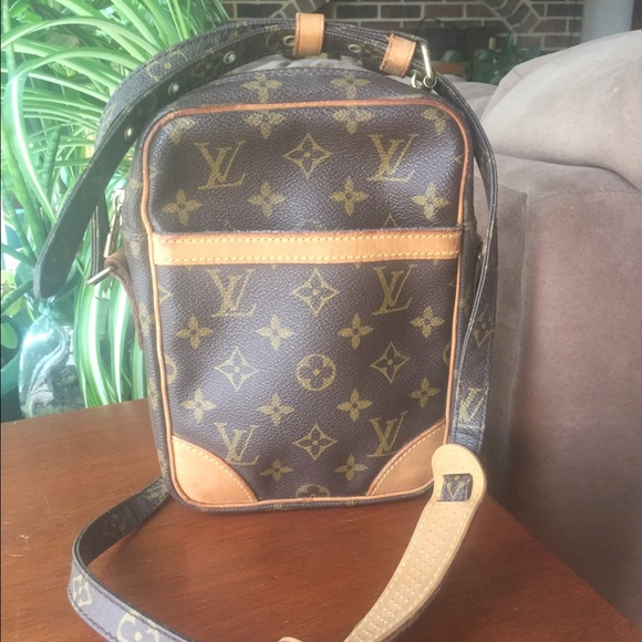 93edfe1b5a93 Louis Vuitton Handbags - LOUIS VUITTON MONOGRAM CANVAS DANUBE BAG