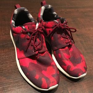 Nike Shoes - Roshe sneaker| red camo