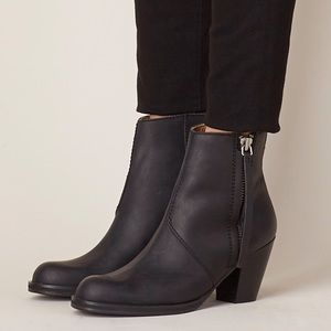 Acne Pistol Boots in Black, 9/39 , With Box