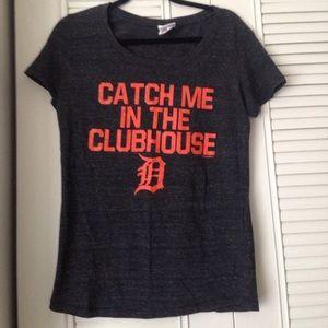 Detroit Tigers Size large t-shirt