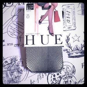 HUE Accessories - HUE Fishnet tights Sz 1