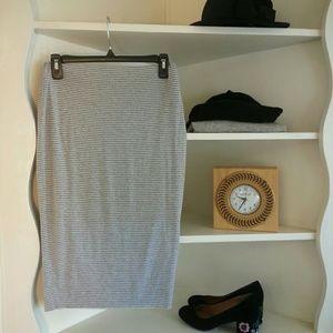 Vince Camuto Dresses & Skirts - Grey white micro stripe bodycon pencil skirt