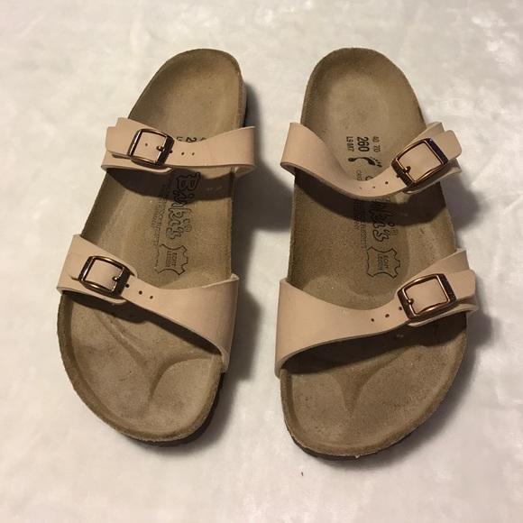 76498c90ff3c Birkenstock Shoes - Women s tan Birkis Sydney Birkenstock sandals