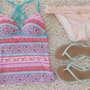Other - NWT floral tankini