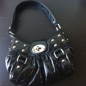 Black Jessica Simpson bag 😍