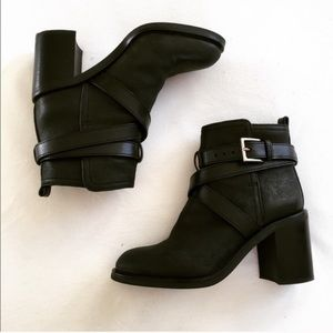 Tory Burch Shoes - BOGO💥 Tory Burch Hastings Bootie