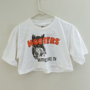 Vintage Tops - Vintage 90s Hooters cropped t-shirt