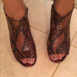 Maison Martin Margiela Shoes - Madison Martin Margiela Python peep toe booties