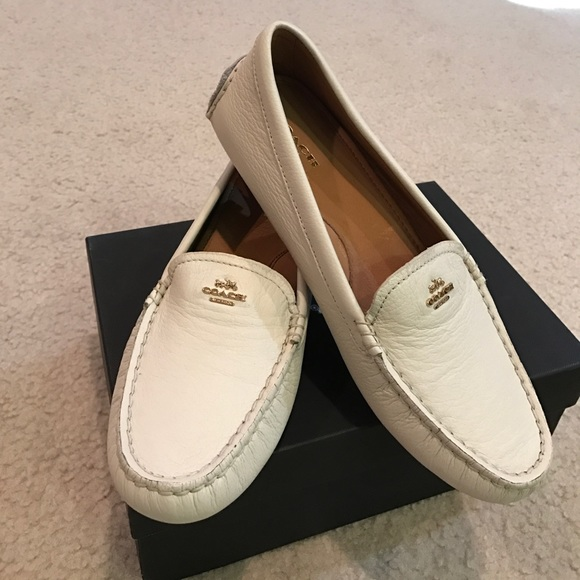 6164fa86fb9 ⚡️Chic brand new Coach leather loafers off white