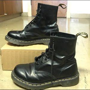 Shoes - Black Dr. Martens