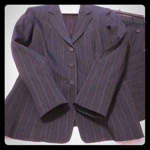 Elie Tahari Other - Elie Tahari 2-Piece Suit