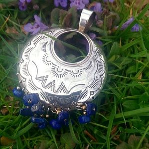 Jewelry - 💥make offer💥 Sterling southwestern lapis pendant