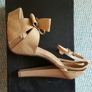 Nicole Lee Shoes - Nicole Lee Tan Heels w/ Bow 8