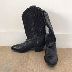 Tony Lama Shoes - Handmade Cowboy Boots