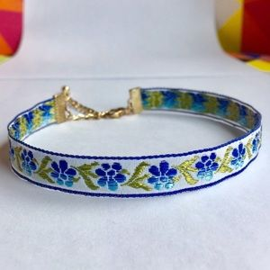 Brand new embroidered choker