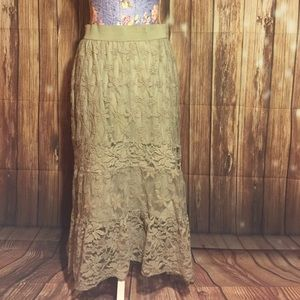 Cato Dresses & Skirts - Beige lacey skirt size Medium