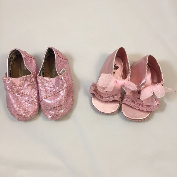 TOMS Other - Toms & Juicy Couture Pink Baby Shoes Size 4T