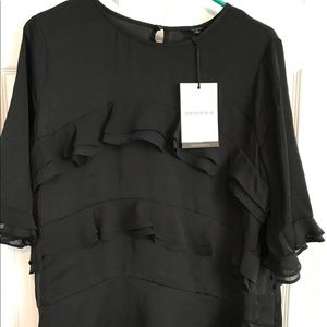 Who What Wear Tops - NWT Who What Wear ruffle top