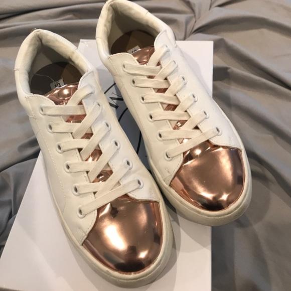 45414e63625 Steve Madden  Bertie  Metallic Platform Sneaker. M 58f183398f0fc46a6505fdcf